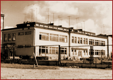 widok archiwalny na budynek przedszkola