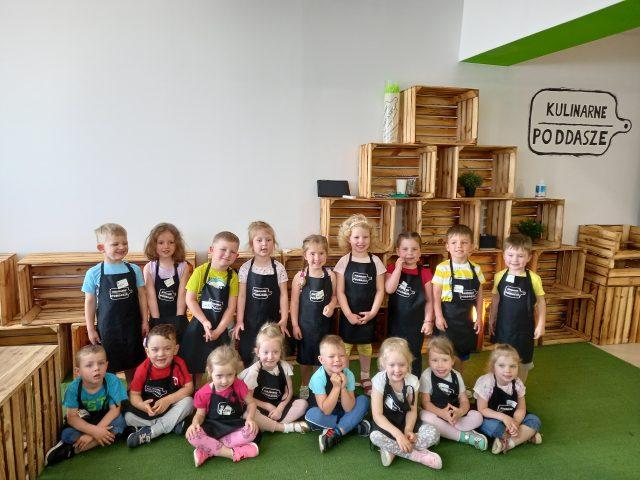 zdjęcie grupowe dzieci